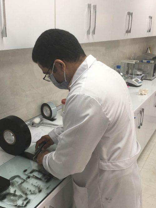 آزمایشگاه کنترل کیفیت آدرین شیمی-min